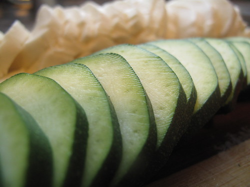 Sliced courgettes and mozzarella