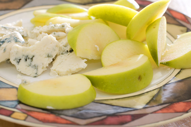 Granny Smith apple with blue cheese
