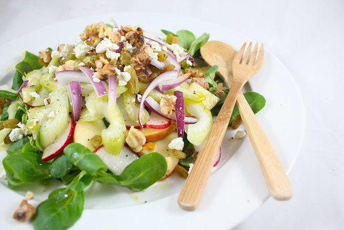 "<img alt=""waldorf salad sans mayo""/>"