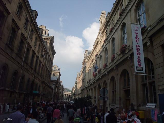 La mairie du 2ème arrondissement organisait ce jour là un vide-greniers