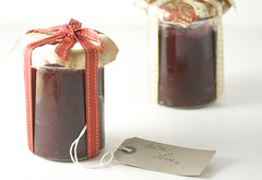 4169599780 3ec58a4b6c m Edible Holiday Gift Idea # 1 Roasted Beetroot, Orange & Spice Chutney