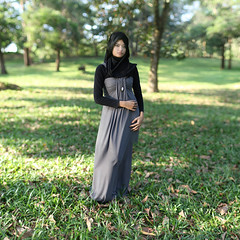 Alyani (zulkhairi kharuddin) Tags: girl canon 50mm dof bokeh 14 hijab f brenizer flowerofislam