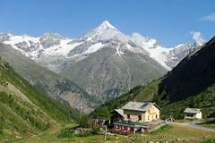 Weisshorn, Tsch {Explore} (Heather Carson) Tags: sky snow mountains alps clouds switzerland cabin alpine zermatt geology valleys tsch ottafe opehilte