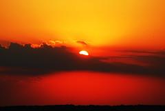 [フリー画像] [自然風景] [夕日/夕焼け/夕暮れ] [海岸の風景] [赤色/レッド]       [フリー素材]