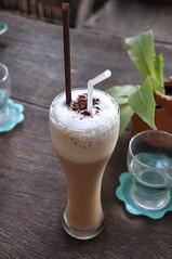 Ice coffee (Krabiman) Tags: ice glass coffee caf nikon drinks cocktails coffe capucino moka verre icecoffee paille boisson mokka frapp d90 caffrapp kf