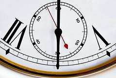 wake up! (Lus Condessa) Tags: clock horloge relgio segundos minutos ponteiros estremit flickraward