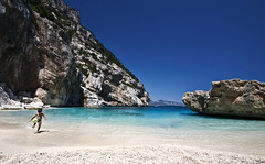 Welcome to paradise (Pilozzo) Tags: summer sky sun children sardinia cala mariolu sigma1020 nikond80