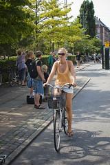 Race Day (Mikael Colville-Andersen) Tags: bike bicycle copenhagen cycling style københavn cykling streetstyle cyklist cyclechic copenhagencyclechic velovogue velopassioncc
