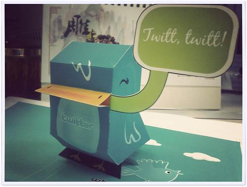 手工活:Twitter Bird 纸玩偶 by rikulu, on Flickr