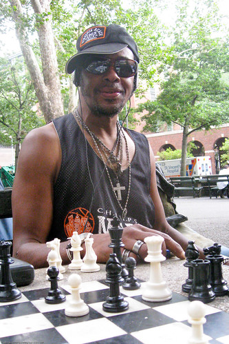 Chess at Washington Square Park / 20090818.SD850IS.2592 / SML (by See-ming Lee 李思明 SML)