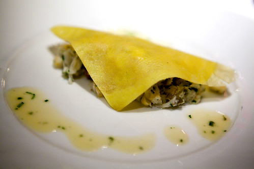 Egg crêpe with crab
