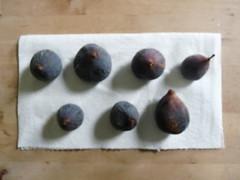 farmers market figs (piperaudrey) Tags: fruit morninglight farmersmarket figs