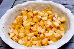 peaches in pie crust