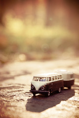 All my bags are packed, I'm ready to go (Cosi!) Tags: vintage october action coffeeshop illuminate oneword shuttersisters toyvwbokeh