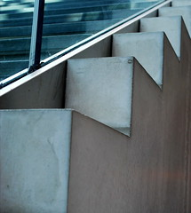 (Elizabeth Goode) Tags: paris france stairs gallery angles stairwell angular zigzag jeudepaume