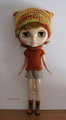 Brick and green set (sweater & hat) for Blythe: elegantly cosy!