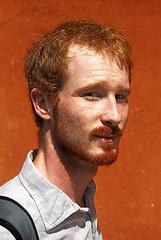 frederiChameleon (sharkoman) Tags: muro wall redhead frederic mrpan sharkoman