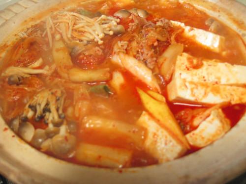 肉豆腐風のキムチチゲ 締めは雑炊で