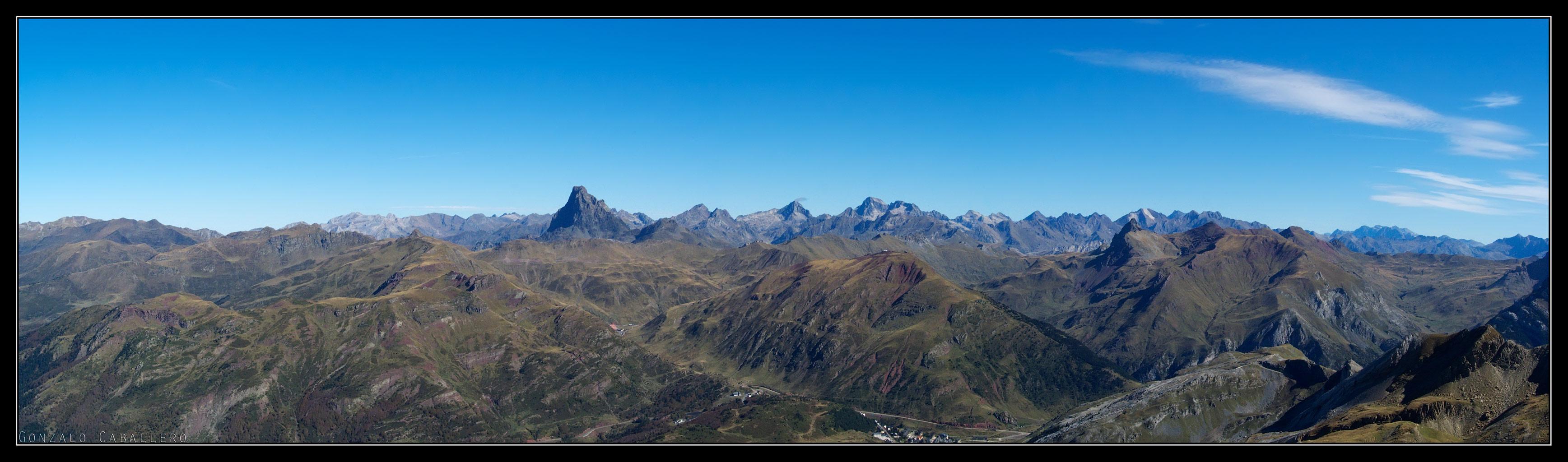 Pirineos desde la cima de Ruabe del Bozo