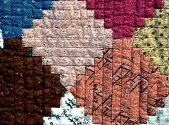 Courthouse Steps quilt (manu/manuela) Tags: paris quilt friendship swap quilting quilted textiles patchwork manuela amiti handquilted changer quiltmain handandmachinepieced quiltlamain cousumainetcousumachine topfaitengroupe