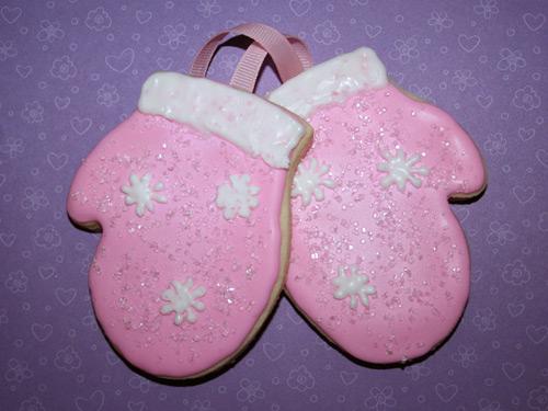 pink suga mittin cookies