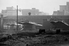 Birmingham Snow Hill Station January 1975 (loose_grip_99) Tags: uk railroad england abandoned station geotagged blackwhite birmingham noiretblanc railway trains 1975 disused derelict westmidlands midlands trackbed snowhill greatwestern geo:lon=1903768 geo:lat=52486426