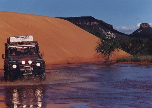 """Land Rover142 • <a style=""""font-size:0.8em;"""" href=""""http://www.flickr.com/photos/148381721@N07/32949785031/"""" target=""""_blank"""">View on Flickr</a>"""