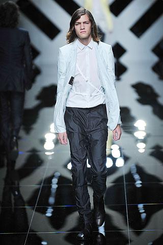Marcel Castenmiller319_SS10_Milan_Burberry Prorsum(Men Style)