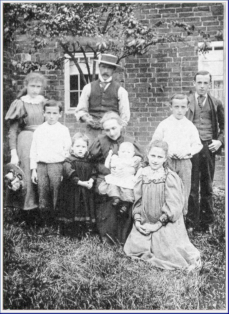 The ' Chambers Family of  Haggs Farm , Underwood - a photograph taken on Thursday , June 29th , 1899 -  is reproduced here by courtesy of its owner , Haggs Farm Preservation Society member , Mrs.Ann H
