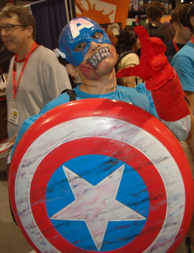 Comic Con 09: Zombie Captain America