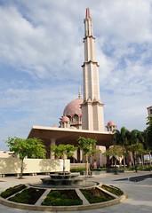 PutrajayaMosque_08 23 09_0151 (kamaruld) Tags: mosque malaysia putrajaya putrajayamosque pinkmosque