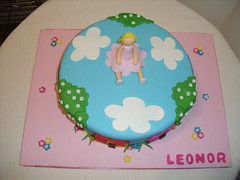 Bolo da Leonor (Isabel Casimiro) Tags: cake christening playstation bolos bolosartisticos bolosdecorados bolopirataecupcakes bolopirata bolosdeaniversrocakedesign bolosparamenina bolosparamenino