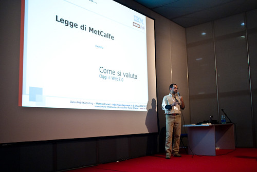 Matteo Brunati durante il talk Data Web Marketing - Concessione di Mentis srl