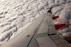 Vietato usare apparecchiature digitali (Emanuele Spano') Tags: aereo divieto nuovle