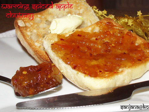 warming spiced apple chutney