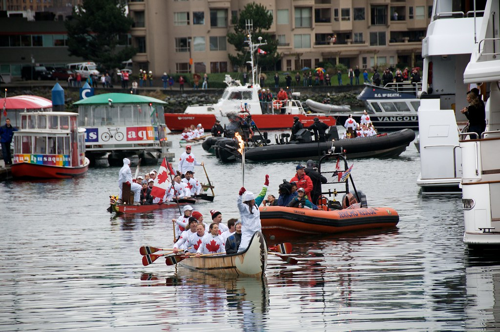 Traditional Canoe Arrives with Torch at Yaletown