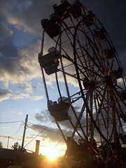 ferris wheel (taylor evans) Tags: wheel canon is picnic ferris sx10