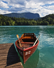 Boat at Bled I Color (mercolino) Tags: lake canon lago muelle boat dock slovenia bled molo hdr