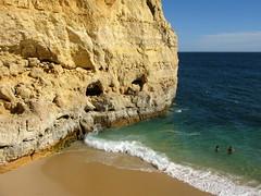 CENTEANES (André Pipa) Tags: praia beach portugal playa explore algarve plage potofgold 333views 100faves 50faves 10faves 35faves 25faves mywinners abigfave worldwidelandscapes summer2009 valedecenteanes