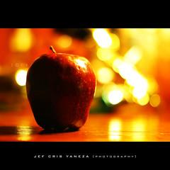 Good Eve (jef cris) Tags: stilllife ikea apple reflections fun crazy nightshot bokeh noflash timer dpp perfumes selftimer bulgari onelight redapple ikealamp strobist digitalphotoprofessional bokehlicious goodeve malufet adobephotoshopcs4 grouptripod jefcrisyaneza platinumpeaceaward tripoded quotesfromjoycecary