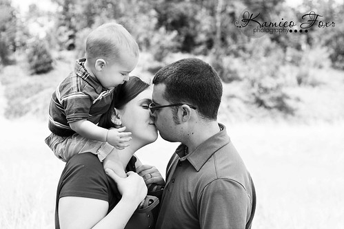 Sneak Peak { Dilley Family Session }