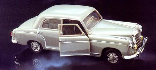 Faller Mercedes 220