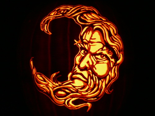 3987147199 e51d4494ff 65 Creative Pumpkin Carving Designs