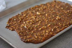 pumpkin-seed-brittle-2