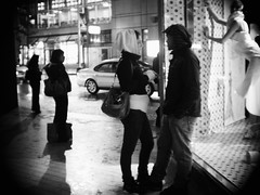 (Wendine) Tags: street people bw night candid olympus peopleidontknow ep1 angenieux cmount 25mmf095