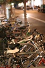 Bicicletes (d.o.n.d.u) Tags: barcelona bike bicycle canon 350d 50mm f14 bcn bicicleta catalonia bici otoo catalunya carrer grcia tardor asturies dondu