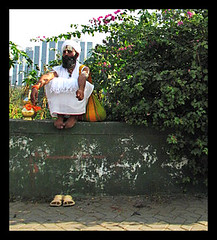 Sage (Midhun Manmadhan) Tags: india colour waiting religion streetphotography mumbai customs canonpowershots3is