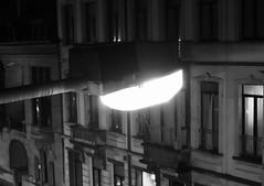 Belgian Sun (Ren-s) Tags: noir noiretblanc blanc black blackandwhite belgique belgium europe night nuit street rue streetphotography streetlamp streetlight photographiederue poteau light lumière buildings bâtiment ville city citycenter citylight centreville pluie rain gouttes drops bokeh