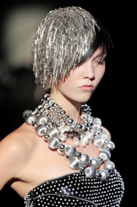 Armani Prive FW09 chain head piece 3