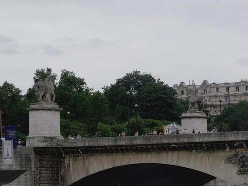 Le pont, lieu de rendez-vous (d'Hervilly)